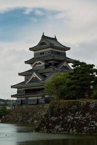 Matsumoto-Castle01.jpg